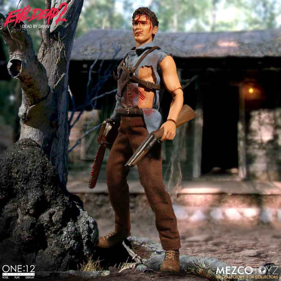 EVIL DEAD 2: DEAD BY DAWN ASH ONE:12 COLLECTIVE ACTION FIGURE FROM MEZCO TOYZ
